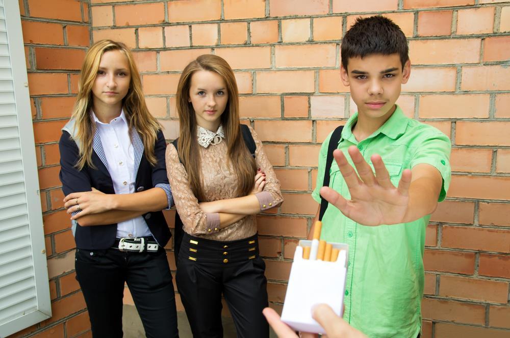 Студенты вРоссии стали вразы меньше курить